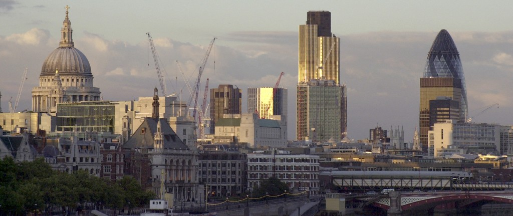 ロンドンの天気分析!観光旅行前に知りたい5つの特徴