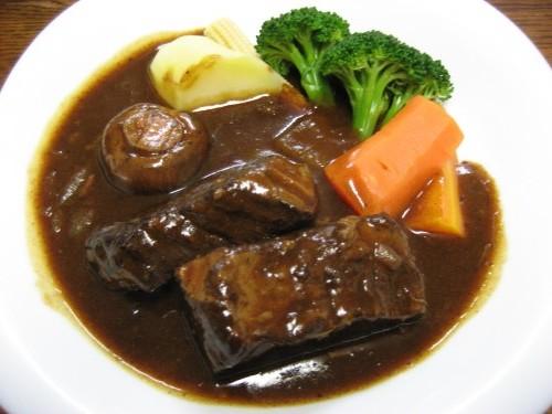 フランスへ行ったら絶対に食べたいおススメ家庭料理10品_ブフ・ブルギニヨン
