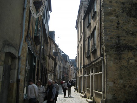 旧市街地_フランス地図ガイドにもないマニアック旅行8スポット