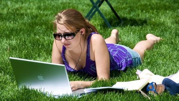 英語メールでネイティブが使う自然な結びフレーズ15選