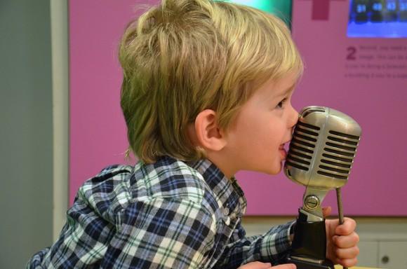 英語の歌をネイティブらしく歌う9つのポイント