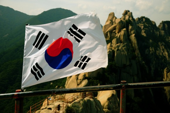 韓国経済は崩壊寸前?韓国政府が抱える8つの問題とは?