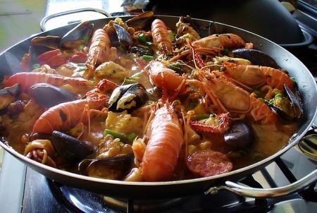 現地で絶対食べたいおすすめスペイン料理10選!パエリア