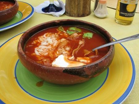 現地で絶対食べたいおすすめメキシコ料理10選!アステカスープ
