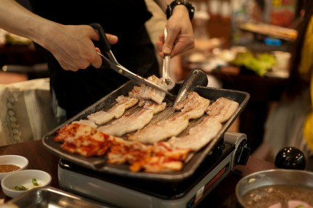 現地で絶対食べたいおすすめ韓国料理10選!サムギョプサル