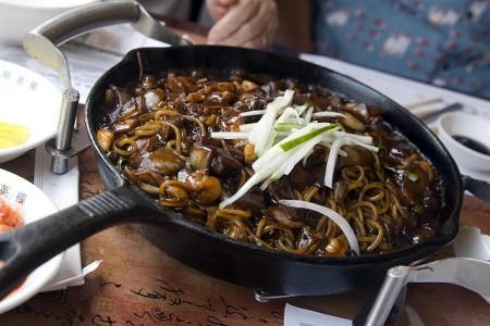 現地で絶対食べたいおすすめ韓国料理10選!チャジャン麺