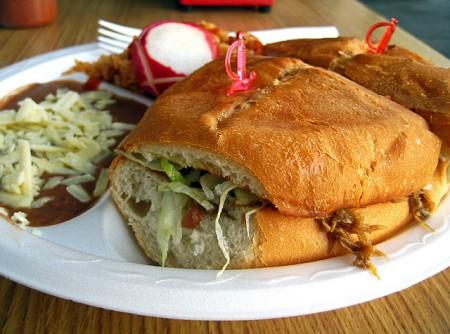 現地で絶対食べたいおすすめメキシコ料理10選!トルタ