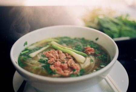 現地で絶対食べたいおすすめベトナム料理10選!フォー