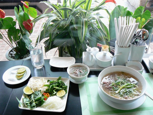 現地で絶対食べたいおすすめベトナム料理10選!