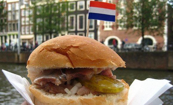 現地で絶対食べたいおすすめオランダ料理10選!