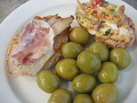 スペインワインに合う超おすすめ料理10品!ピンチョス
