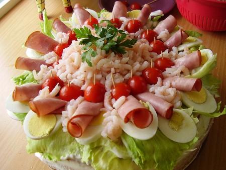 現地で絶対食べたいおすすめスウェーデン料理10選!スモーガストルタ