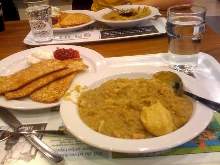 現地で絶対食べたいおすすめスウェーデン料理10選!パンケーキと豆のスープ