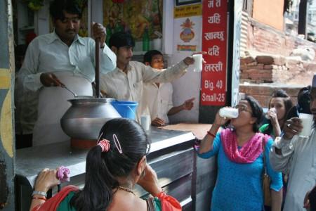現地で絶対食べたいおすすめネパール料理10選!ラッシー