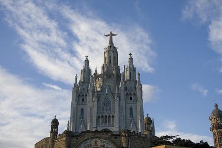 バルセロナ観光!王道からマニアック地まで厳選10スポット_ティビダボ遊園地