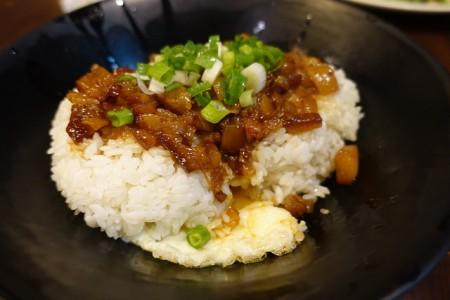 台湾へ行ったら絶対食べたいおすすめ家庭料理10品_魯肉飯