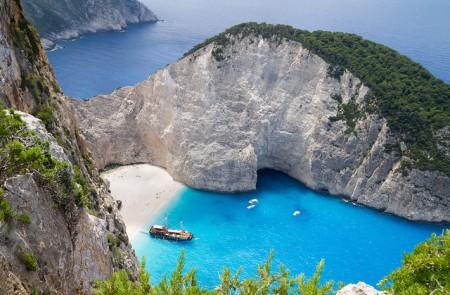 ギリシャへ行ったら絶対行くべき超おすすめ観光地10選_ナヴァイオビーチ