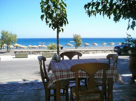 ギリシャのサントリーニ島特集!人々を魅了する8つの理由_タベルナ