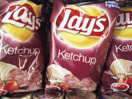 現地で絶対食べたいおすすめカナダ料理10選!_ケチャップポテトチップス