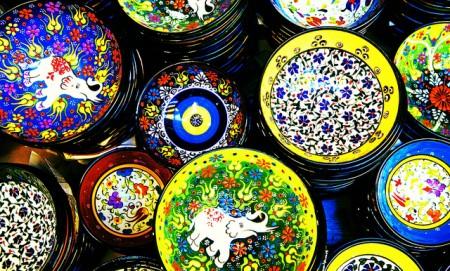 トルコのお土産調査!貰って嬉しい超おすすめ10選_トルコタイルの食器