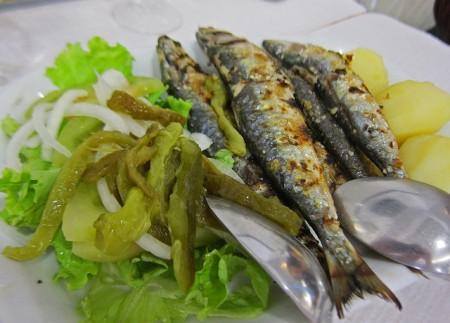 現地で絶対食べたいおすすめポルトガル料理10選!_サルディーニャス・アサーダス