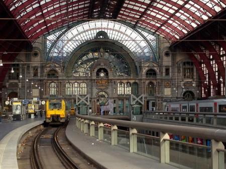 アントワープ観光を3泊4日で超満喫する8つのコツ_アントワープ中央駅
