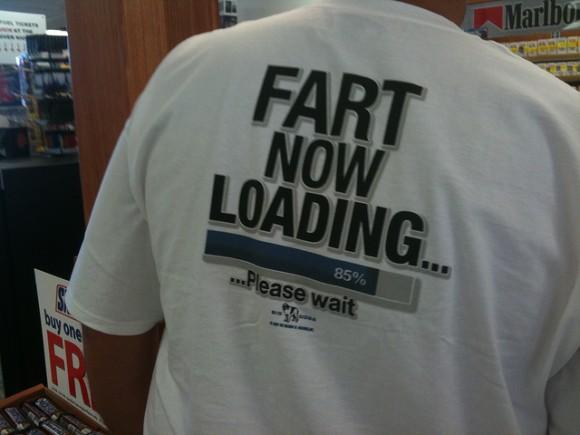 海外で着ると超恥ずかしい英語Tシャツ20選