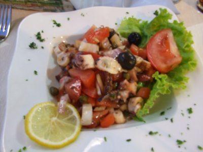 現地で絶対食べたいおすすめクロアチア料理10選!タコサラダ