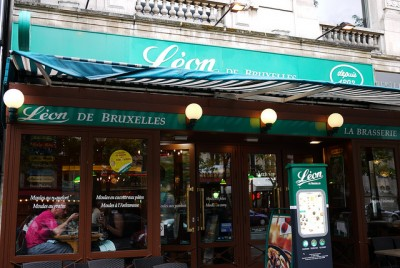 パリ食べ歩きツアー!地元で人気カジュアルレストラン10選_レオン・ド・ブリュッセル