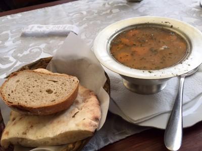 サラエボのおすすめボスニア料理店とコーヒーBar10選!トマトとチキンスープ