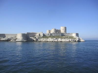 初めてマルセイユを観光するときのおすすめスポット8選!イフ城塞
