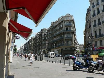 初めてマルセイユを観光するときのおすすめスポット8選!カヌビエ-ル大通り