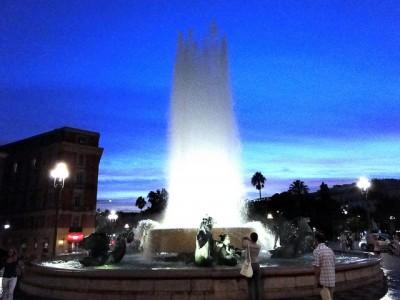 初めてニースを観光するするときのおすすめスポット8選!マセナ広場