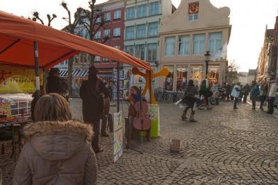 現地ベルギーでクリスマスを堪能するための7つのコツ_シモンステファン広場のクリスマスマーケット