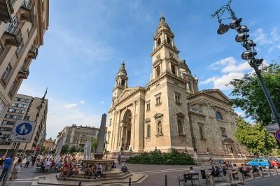 ブダペストってどんなトコ?観光前に押さえたい8つの特徴_聖イシュトヴァーン大聖堂