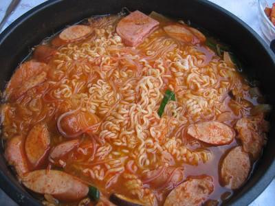 韓国で最初食べるときにびっくりする食べ物6選_ブデチゲ