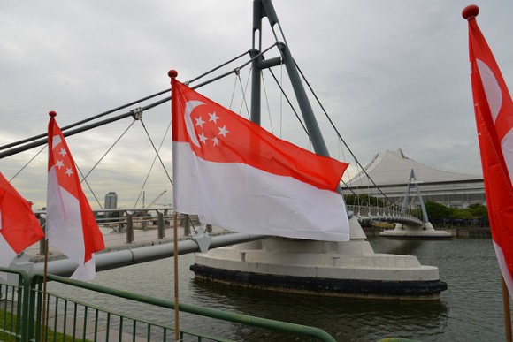 シンガポール国旗を徹底分析!国旗が持つ6つの秘密とは?