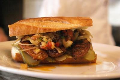 現地で絶対食べたいおすすめアルゼンチン料理10選!チョリパン