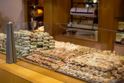 ドバイお土産調査!貰って嬉しい超おすすめ10選!伝統中東菓子