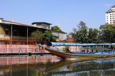 ツアーじゃいけないタイのマニアック観光地8スポット!プラカノン市場