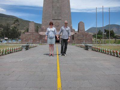 エクアドルお土産調査!貰って嬉しい超おすすめ10選!赤道記念碑モニュメント
