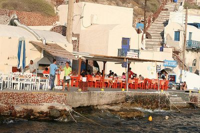 ギリシャ・サントリーニ島で絶対行きたいカフェ・レストラン10選!Taverna Katina