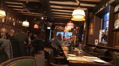 アムステルダムで絶対行きたいおすすめカフェ・レストラン9選!ハーシェ・クラース内観