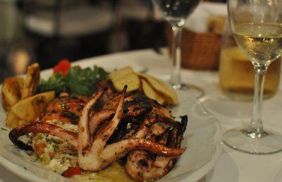 ギリシャ・サントリーニ島で絶対行きたいカフェ・レストラン10選!NAOUSSA Restaurant