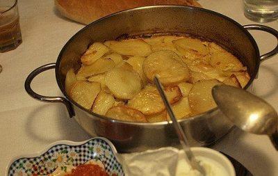 ヨーグルトだけじゃない!現地で絶対食べたいおすすめブルガリア料理10選!ムサカ