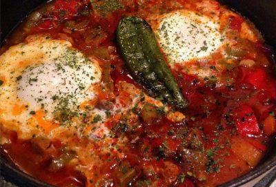 ヨーグルトだけじゃない!現地で絶対食べたいおすすめブルガリア料理10選!カヴァルマ