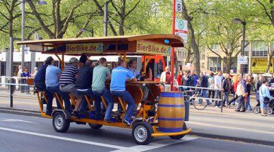 ベルリンを観光する時のおすすめ移動手段!旅行前に知るべき7つの事!ビールバイク