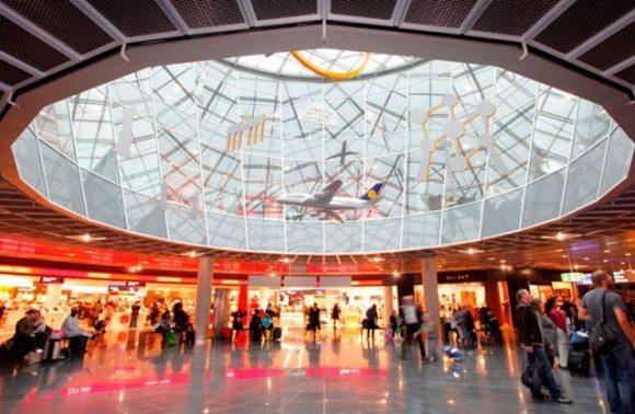 フランクフルト空港調査!旅行前に知るべき7つの特徴!