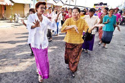 タイの結婚式で知っておくべき7つの豆知識!パレード