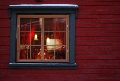 ノルウェーのクリスマスはどんな感じ?6つのおもしろ豆知識!窓